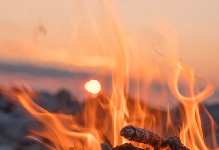 The Altar of God – 5 Keys to Keep the Fire of God Burning in Your Life